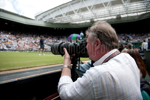 Duncan Grove FRPS with Nikon D3S and 300mm f/2.8 VRII, Centre Court, Wimbledon 2010.